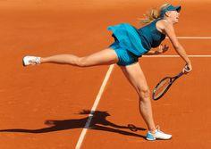 Maria_Sharapova_at_2009_Roland_Garros,_Paris,_France.jpg (2340×1656)