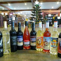 Door County Wisconsin Wines Sparkle at Holidays with wine from Door Peninsula Winery.