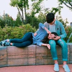 kawaii uploaded by 달 ┊ ♡ on We Heart It Korean Couple, Best Couple, Ulzzang Couple, Ulzzang Girl, Couple Posing, Couple Shoot, Cute Korean, Korean Girl, Couple Avatar