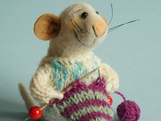 Needle felt Mouse. Mouse knit. Mouse is knitting.  Tiny knitting Mouse White Mouse Gift for knitting lover Animal knits Dollhouse mouse mice by OlgaHappyHandmades on Etsy
