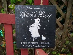 Halloween Decoration Witch Sign Black Cat by deSignsOfExpression Halloween Witch Decorations, Halloween Labels, Halloween Trick Or Treat, Halloween Signs, Creepy Halloween, Holidays Halloween, Halloween Crafts, Halloween Costumes, Halloween Witches