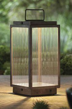 lampe d'extérieur de couleur noir et métal et le style est tendance par nautic référence 11060081