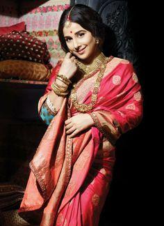 Vidya Balan Saree | Bollywood a ctress Vidya Balan photoshots in Indian Cultural Saree for ...