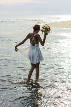 Bride in relaxed short Magali Pascal Bohemian Wedding Dress | Coastal Wedding | Beach | Destination Wedding | Inspiration Shoot | Wedding Planner Call Me Madame | Images by Zago Photo | http://www.rockmywedding.co.uk/boho-chic-in-bali/