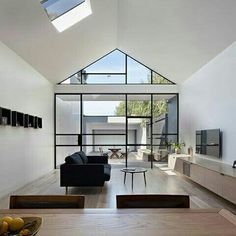 'Minimal Interior Design Inspiration' is a weekly showcase of some of the most perfectly minimal interior design examples that we've found around the web - all Interior Design Examples, Interior Design Minimalist, Interior Design Inspiration, Modern Interior, Interior And Exterior, Architecture Résidentielle, Australian Architecture, Home Living, Living Area