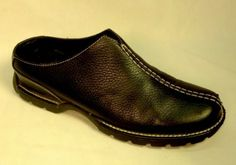 COLE HAAN WOMEN'S SHOES Size 7.5 B Mules Black Pebbled Leather Waterproof