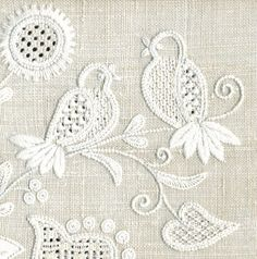 German Schwalm Whitework (Schwälmer Weiß­stic­kerei) from NNE of Frankfurt. Blackwork Embroidery, Types Of Embroidery, White Embroidery, Embroidery Applique, Cross Stitch Embroidery, Embroidery Patterns, Machine Embroidery, Diy Broderie, Bordados E Cia