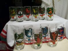 Anchor Hocking Christmas Glasses 12 Days of Christmas Set of 12 Orig Box Vintage  Set of 12 Glasses each one showing one of the 12 days of