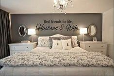schlafzimmer ideen graue wand kronleuchter wandspuch weisses bett