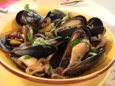 Rioja Steamed Mussels with Chorizo Recipe : Claire Robinson : Food Network Chorizo Recipes, Shellfish Recipes, Entree Recipes, Seafood Recipes, Wine Recipes, Food Network Recipes, Healthy Recipes, Healthy Food, Steamed Mussels