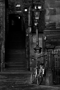 http://melissachinchilla.typepad.com/lust_/  Stairs, Edinburgh, Scotland