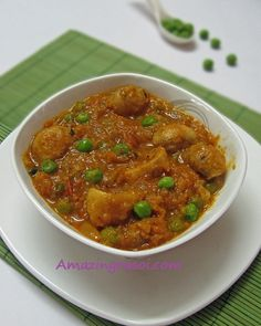 AmazingRasoi: Dhingri Matar ( Mushroom With Peas ) Indian Food Recipes, Ethnic Recipes, Green Chilli, Garlic Paste, Mushroom Recipes, Coriander, Chana Masala, Cooking Time, Stuffed Mushrooms