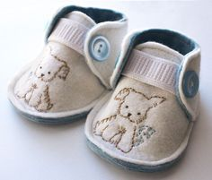 Snips and Snails baby shoes...I would cover the elastic with the fabric, tho. We could do these!