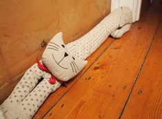 Spotted Cat Draught Excluder for Rhian! Sewing Toys, Sewing Crafts, Sewing Projects, Craft Projects, Pet Gifts, Craft Gifts, Cat Lover Gifts, Cat Crafts, Kids Crafts