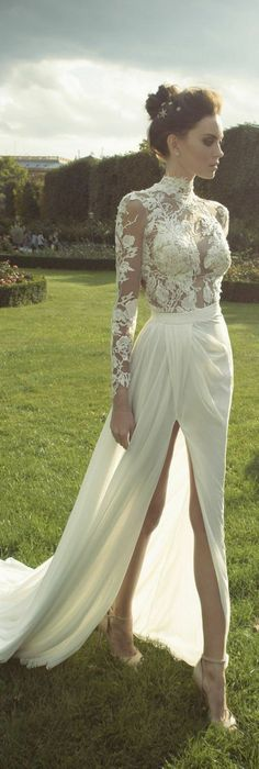robe-de-mariée-dentelle-et-mousseline-col-roulé-jupe-fendue