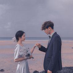 Peach Aesthetic, Couple Aesthetic, Aesthetic Girl, Couple Ulzzang, Ulzzang Boy, Korean Couple Photoshoot, Ulzzang Girl Fashion, Couple With Baby, Foto Wedding