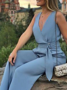 Trend Fashion, Fashion Line, Fashion Pants, Fashion Dresses, Womens Fashion, Wrap Jumpsuit, Jumpsuit Outfit, Classy Outfits, Stylish Outfits