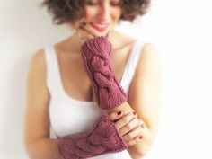 Rose Cable Knit Chunky Gloves by afra on Etsy