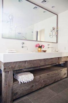 Bancada + prateleira (madeira de demolição) e espelhão