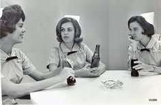 Three Vanderbilt School of Nursing Students in a break room, ca 1965 Vintage Nurse, Vintage Medical, School Pictures, Old Pictures, Nursing Jobs, Nursing Schools, Old Hospital, Florence Nightingale, Nurse Humor