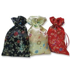 Nile Corp. Silky Flowers Pattern Drawstring Pouches . Size: 4'' x 5'' www.nilecorp.com  #chineseprint #jewelrypouches #drawstringpouches Chinese Prints, Jewelry Pouches, Drawstring Pouch, Flower Patterns, Jewelry Shop, Perfume Bottles, Satin, Doodle Flowers, Jewlery