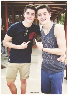 these twins :D <3 <3 <3