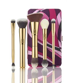 This Limited-Edition Tarte Toolbox Brush Set & Magnetic Palette Will Be Your New Travel Bestie | Allure