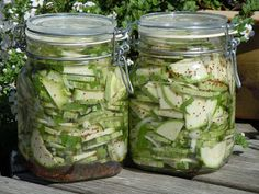 inlagd squash Pickles, Squash, Cucumber, Food And Drink, Homemade, Prom Dresses, Pumpkins, Gourd, Home Made