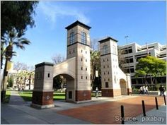 Movers.com - Tips and Advice on How to Find Housing for Grad School #moversdotcom
