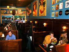 Dining Room At Blueberry Hill University City Mo Kid Friendly Restaurants Best Places