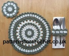 Free crochet pattern for round placemat, coaster & napkin ring from http://www.patternsforcrochet.co.uk/round-placemat-etc-usa.html quick to make. #freecrochetpatterns #patternsforcrochet