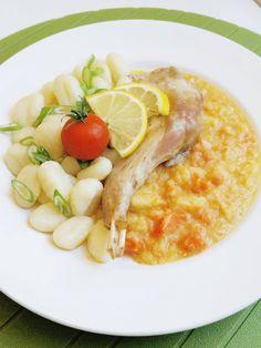 Pečený králík s kořenovou zeleninou a noky – pro děti od 1 roku+  Ingredience: 1 králík celý bez drobů ( vnitřností ) 4 kuličky nového koření 3 mrkve 2 petržele ½ celeru 2 lžíce bílého jogurtu 50g másla kostky 2dcl vody 2 stroužky česneku Lžička rozmarýnu Špetka soli