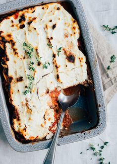 Lasagne remains really comfort food for me! Especially when there is a lot of cheese and bechamel on it, I can really enjoy it. This sweet potato lasa. Yummy Veggie, Veggie Recipes, Healthy Recipes, Cooking Recipes, I Love Food, Good Food, Yummy Food, Evening Meals, Family Meals