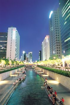 Cheonggyecheon Stream in Seoul, Korea Seoul Korea Travel, South Korea Seoul, Asia Travel, Food Travel, Seoul Photography, South Korea Photography, Seoul Wallpaper, Places To Travel, Places To Go