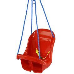 Deze Playwood schommel met een zitje is geschikt voor de allerkleinsten. Er zit een riempje in waarmee je het kindje vast kan zetten. Heerlijk relaxed heen en weer wiegen. De schommel is verkrijgbaar met een blauwe en een rode zitting. #schommelen #babyschommel #schommel