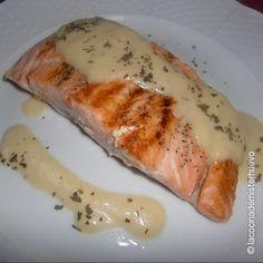 Salmón con salsa de puerros