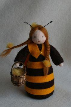 Biene+Blumenkind+Jahreszeitentisch+Waldorf+von+HandGemacht+auf+DaWanda.com