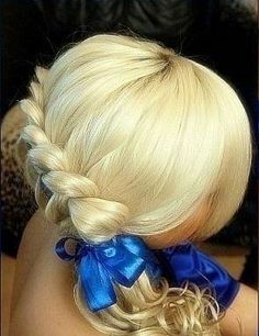 Awesome Blonde Prom and Homecoming Hairstyle