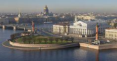 Санкт-Петербург, омытый майскими дождями.