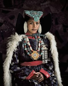 And Ladakhi from the Himalayas From photographer Jimmy Nelson's book, Before They Pass Away Tribes Of The World, People Around The World, Folk Costume, Costumes, Folklore, Jimmy Nelson, Ethno Style, Tribal People, World Pictures