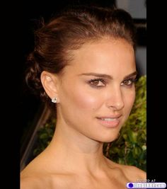 Google Image Result for http://3.bp.blogspot.com/-kZ6WYuYDlyQ/TlEltIM1UBI/AAAAAAAAB1U/yx-mk7fLcX0/s1600/natural-makeup-1.jpg