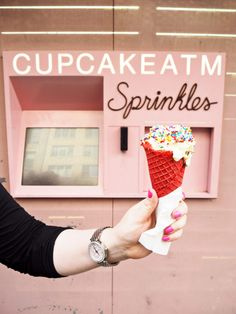 Learn all about Sprinkles Cupcakes ATM and their amazing New York uptown location. I had an ice cream and a black velvet cupcake! yum!