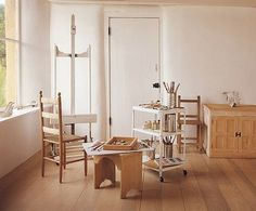 Everything is so white... <3 ... Georgia O'Keefe, painter. | 40 Inspiring Workspaces Of The Famously Creative