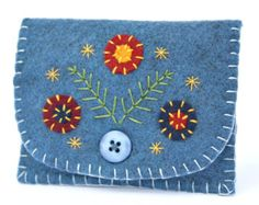 Coin Purse with flower and leaves Felt coin by TinyFeltHeart