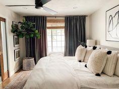 Cozy Bedroom, Home Decor Bedroom, Modern Bedroom, Bedroom Furniture, Casual Bedroom, Bedroom Ideas, Arrange Furniture, Eclectic Bedrooms, Neutral Bedrooms