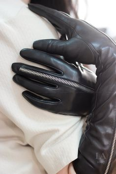 Leather Catsuit, Mens Gold Jewelry, Country Wear, Gloves Fashion, Thigh High Boots Heels, Black Leather Gloves, Leather Fashion, Leather Outfits, Long Gloves