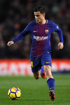 Philippe Coutinho of Barcelona in action during the La Liga match between Barcelona and Deportivo Alaves at Camp Nou on January 28, 2018 in Barcelona, .