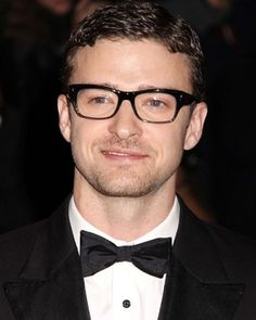 Celebrities Wearing Glasses - Justin Timberlake. Jeez this man can even pull off glasses... Is there nothing that this man can't do??? BTW he looks sexy in glasses...