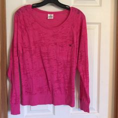 Victoria's Secret Pink long sleeve tee size XS Victoria's Secret Pink long sleeve tee size x-small. Is pocket tee with elastic waist band. Excellent condition. Victoria's Secret Tops Tees - Long Sleeve