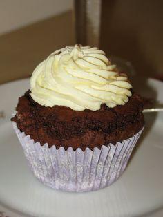 Double-Chocolate Cupcakes mit Zitronentopping - Haferlgucker